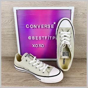 Converse Shoes - 🦋Converse Chuck Taylor All-Star Light Surplus